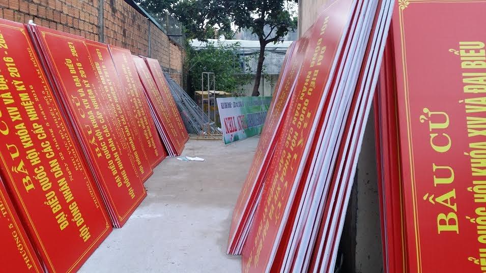 Thực hiện bảng hiệu bầu cử cho toàn phường TP. Đà Lạt